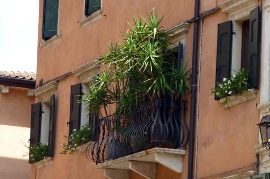 balcone in via sottoriva verona
