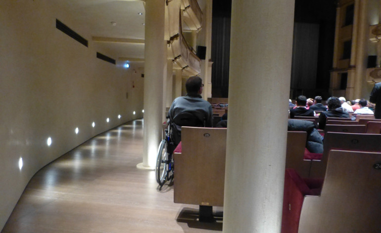 20121017-teatroristoriveronaccessibilitapostidisabilicarrozzina