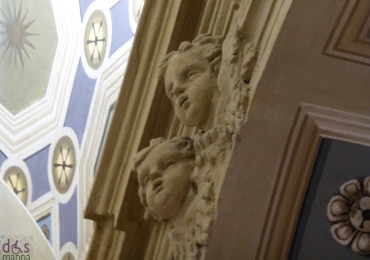 angeli di stucco alla chiesa di santa maria in chiavica verona