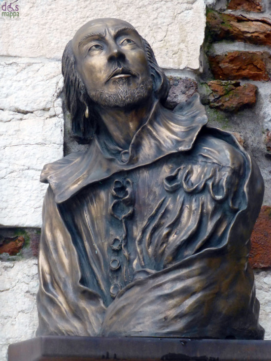 busto di william shakespeare alle porte di piazza bra a verona