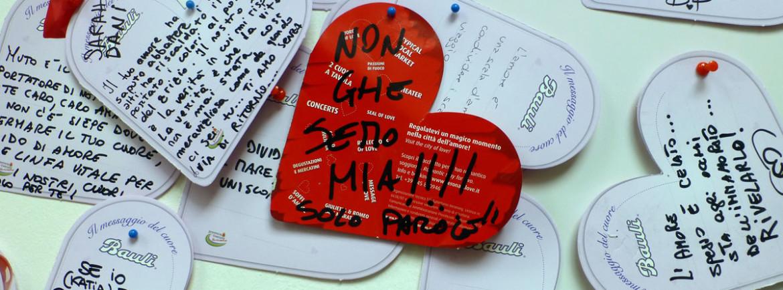 """scritta in dialetto veronese """"no ghe semo mia"""" tra i cuori di verona in love"""