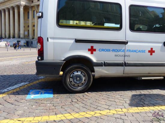 verona parcheggio disabili piazza bra con croce rossa francese