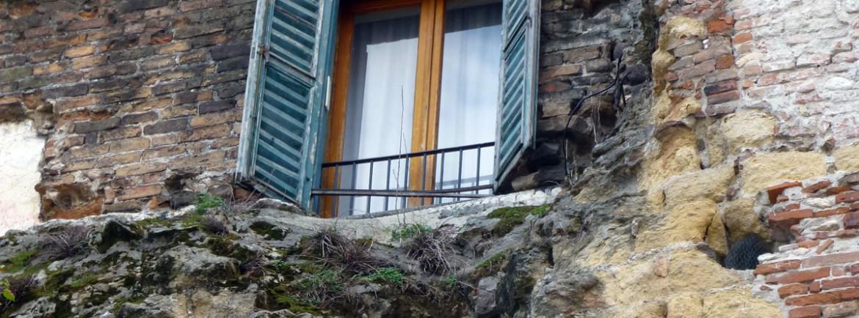 una finestra dentro le mura gallieno