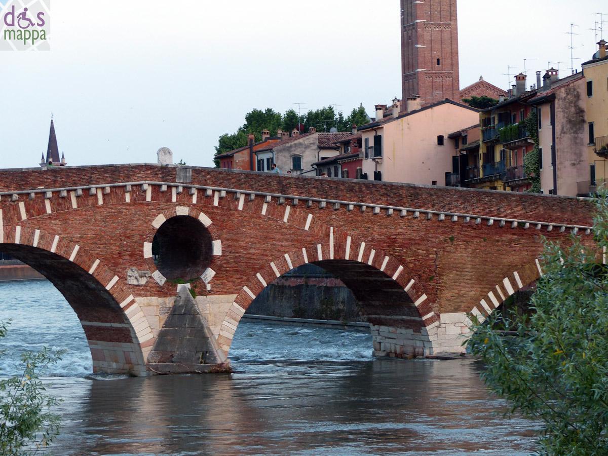 Creativit e arte sui ponti di verona dismappa per for Foto di ponti coperti