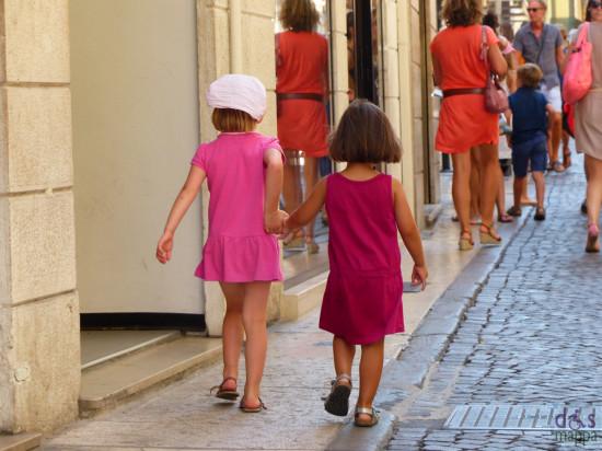 201308-bambine-corso-santa-anastasia-verona