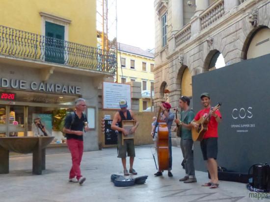 201308-gruppo-musicale-via-mazzini-street-artists