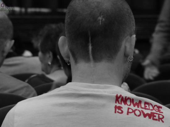 20130916-t-shirt-knowledge-is-power-teatro-nuovo-verona
