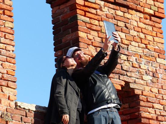 20131012-coppia-turisti-foto-castelvecchio-verona