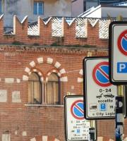 20140913 Parcheggio disabili Piazza delle Erbe Verona