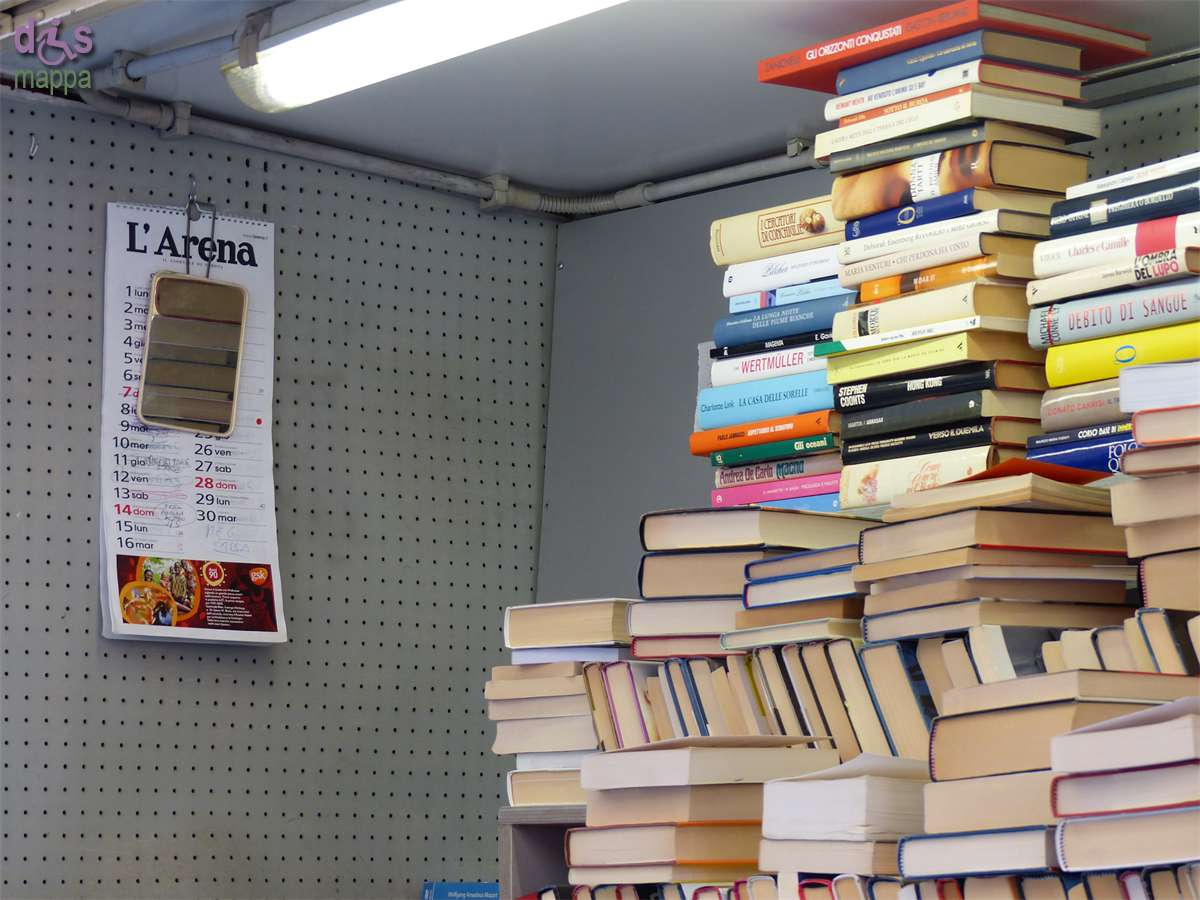 20140914 Bancarella libri via Mazzini Verona