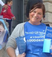 Ieri la mia amica Susanna era in Piazza Bra per aiutare ad esaudire i desideri dei bimbi malati. City Sightseeing & Make-A-Wish Italia Sali a bordo dei City Sightseeing per i nostri bambini. Il 12 Ottobre 2014, in molte importanti città italiane, City Sightseeing organizza una giornata di solidarietà per Make-A-Wish Italia.