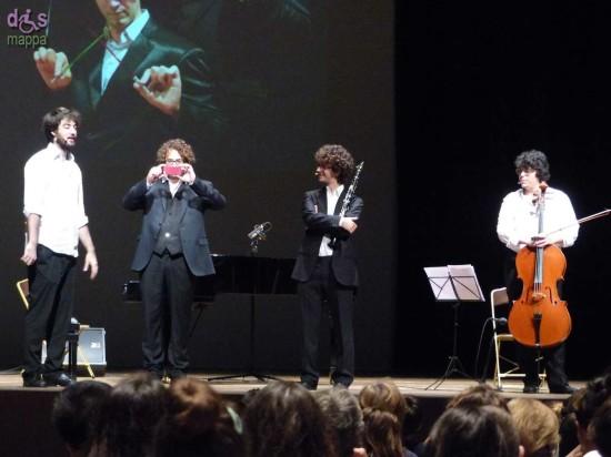 """Il pianista Sergio Baietta fotografa il pubblico degli studenti alla lezione concerto """"La musica nell'era di YouTube"""" con Andrea Battistoni e The B-Side Trio."""