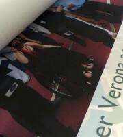 Il corriere ha consegnato poco fa i manifesti dismappa per il 3 dicembre - Giornata internazionale dei diritti delle persone con disabilità, che saranno affissi alle 16 teche di Piazza Pradaval dal 1° all'8 dicembre 2014, così da accogliere i visitatori con un nuovo punto di vista su Verona e promuovere l'accessibilità per tutti.