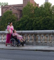 20150805 Anziana signora carrozzina Lungadige Verona dismappa 9
