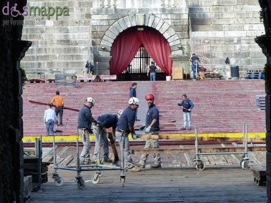 Finita la stagione degli spettacoli all'aperto si smonta la platea all'Arena di Verona
