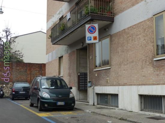 Parcheggio disabili via Cantarane Colorificio Dolci