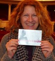L'attrice Angela Finocchiaro testimone di accessibilità per dismappa dopo l'incontro con le attrici e gli attori di Calendar Girls, in scena al Teatro Nuovo
