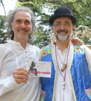 I musicisti Dante e Costantino Borsetto testimoni di accessibilità per dismappa dopo il concerto a Verona Antiquaria