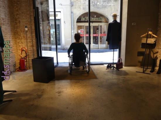 20160807 Accessibilita disabili Xetra abbigliamento Verona dismappa 78