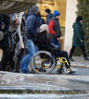 20170108-Ragazza-disabile-carrozzina-Verona-dismappa